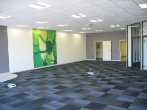Aménagement d'une agence d'assurances Matmut : peintures et dalles moquette