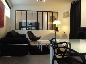 Aménagement d'un appartement à Biarritz (64) : peintures, revêtements de sol parquet stratifié