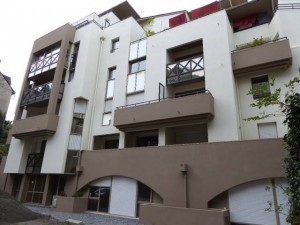 Ravalement de façades d'un immeuble au Quartier du Hédas à Pau (64)